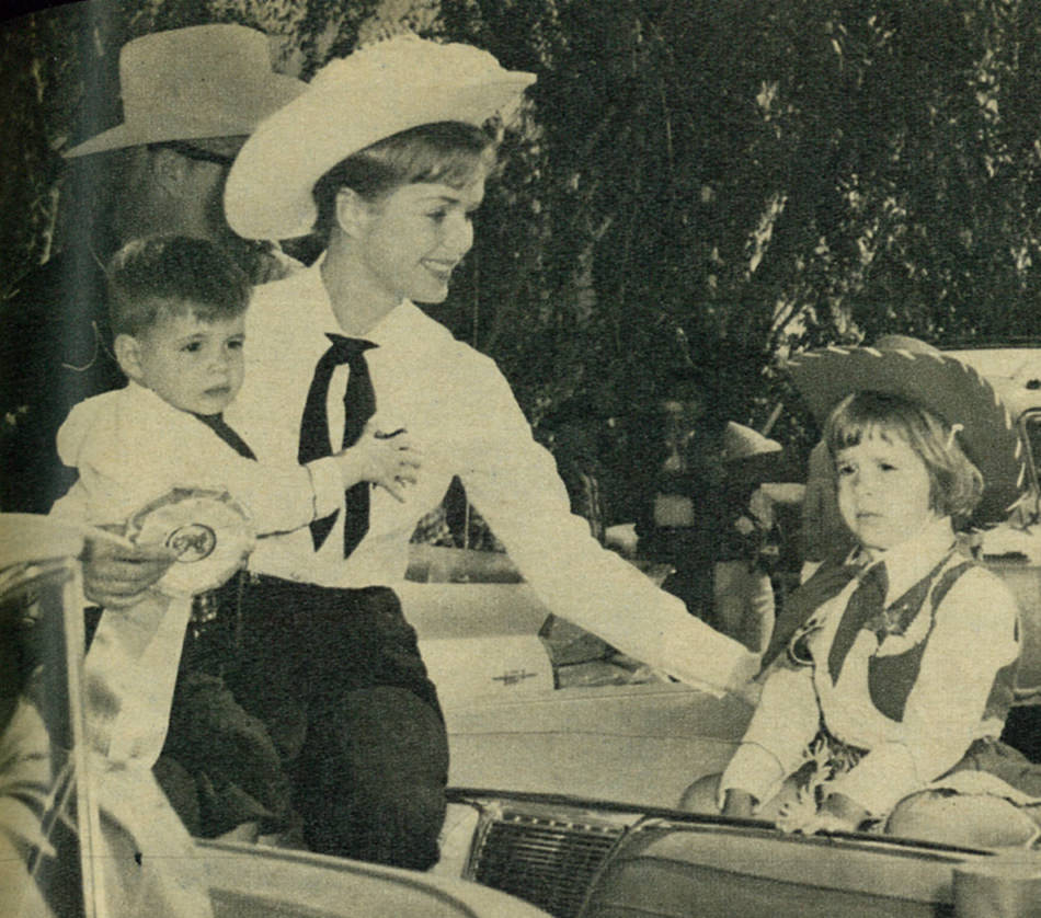 Photo of Success Saturdays: Debbie Reynolds and Carrie Fisher