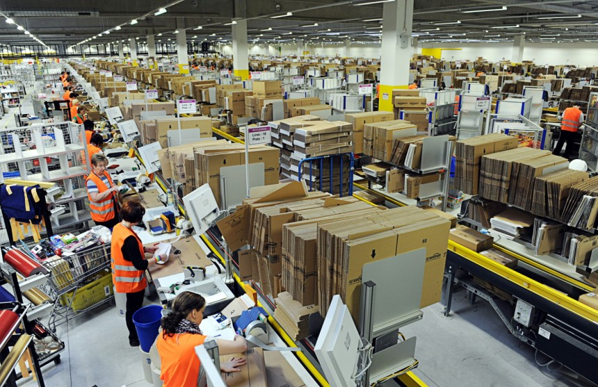 Photo of Amazon's Wage Raise and What It Really Means for the Company, Its Employees, and Labor Rights